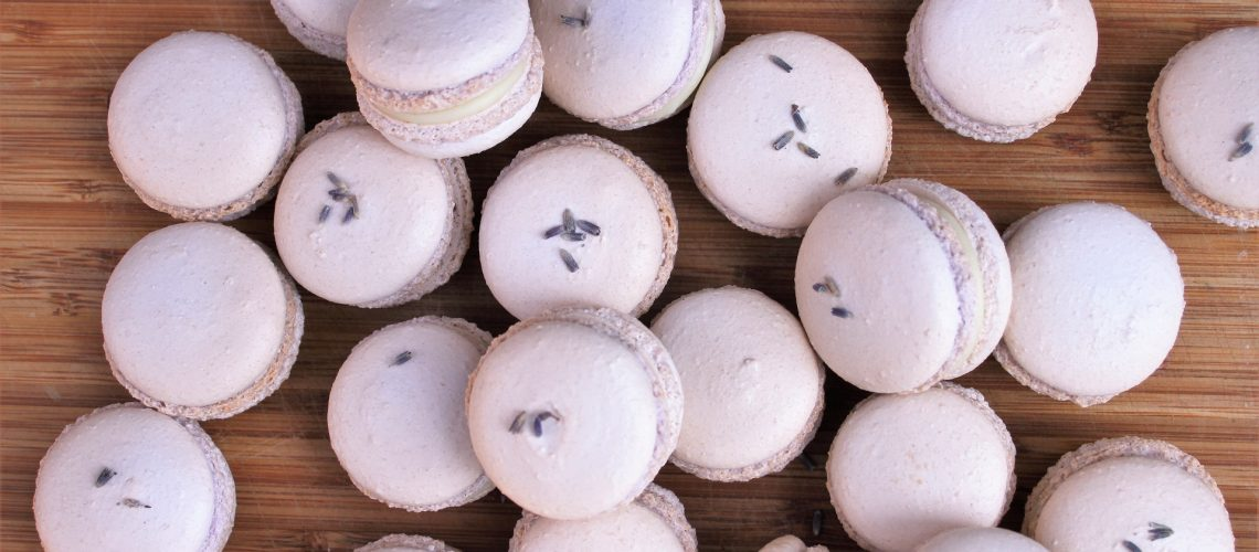lavender_white_chocolate_macarons_1