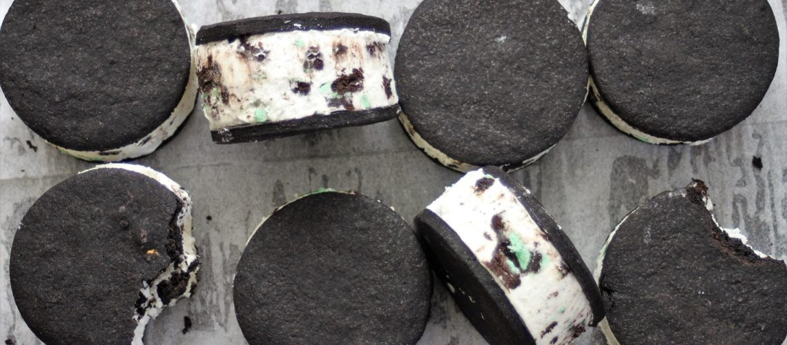 mint_oreo_ice_sandwiches_1